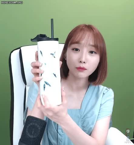 Watch and share 나미춘 윤태진 GIFs on Gfycat
