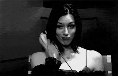 Thats not how you use the xbox controller Stoya! GIFs
