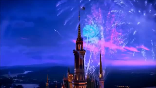 Watch Disney Weihnachtsgeschenk GIF on Gfycat. Discover more Disney, Fireworks, Florida, Orlando, Tags, Train, blue-ray, dvc, flag, hollywod, little, magic, mouse, movie, read, scene, studios, told, world, you GIFs on Gfycat