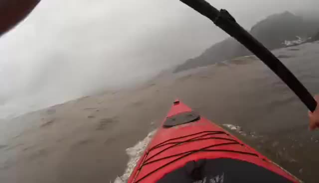 kayak, surf, surfeando2 GIFs