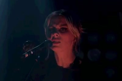Watch and share Wolf Alice Band GIFs and Ellie Rowsell GIFs by marizee on Gfycat