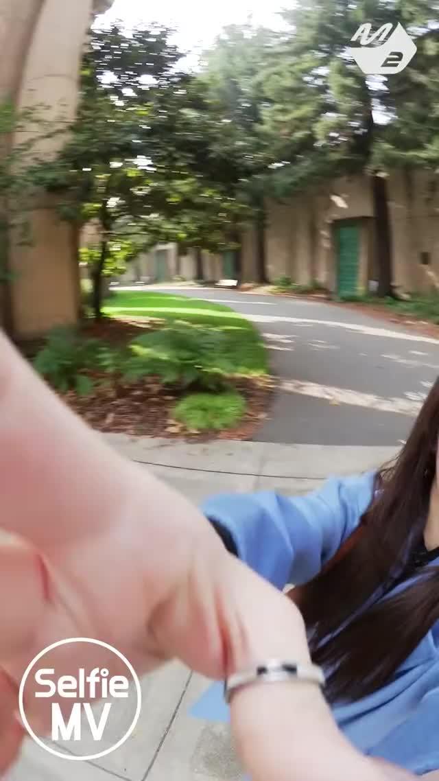 Watch [Selfie MV] (여자)아이들 - Senorita GIF on Gfycat. Discover more K-Pop, Kpop, K팝, M2, MPD, Mnet, 아이돌, 엠넷, 엠투, 엠피디 GIFs on Gfycat