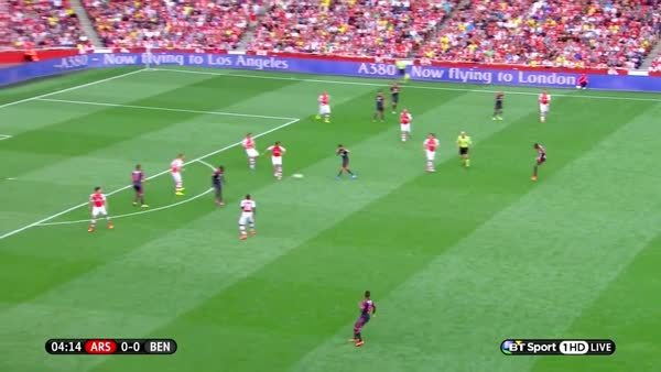 soccercirclejerk, Absolutely incredible vision and pass by classy Gooner legend Hector Bellerin. (reddit) GIFs