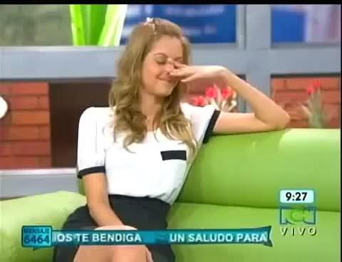 Watch and share Milena López & La Caida Del Sofa En Muy Buenos Dias 10/octubre/2012 GIFs on Gfycat
