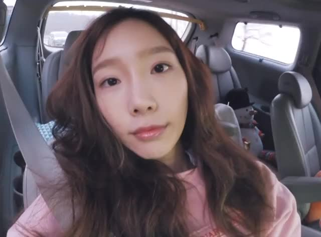 Watch this trending GIF by @disinfect77 on Gfycat. Discover more girl's generation, snsd, taeyeon GIFs on Gfycat