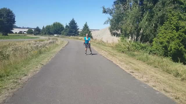 Watch this GIF by irahi on Gfycat. Discover more rollerblading GIFs on Gfycat