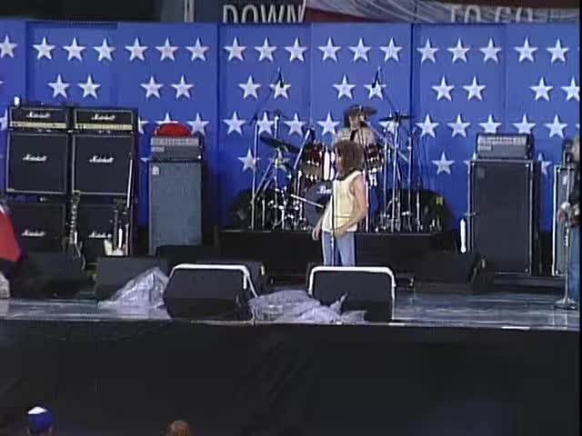 Champaign, Foreigner, I Want To Know What Love Is, Rock, Rock Music, concert, farm aid, farmaid, live, music, Foreigner - I Want To Know What Love Is (Live at Farm Aid 1985) GIFs