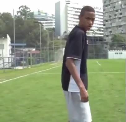 janjian main bola GIFs