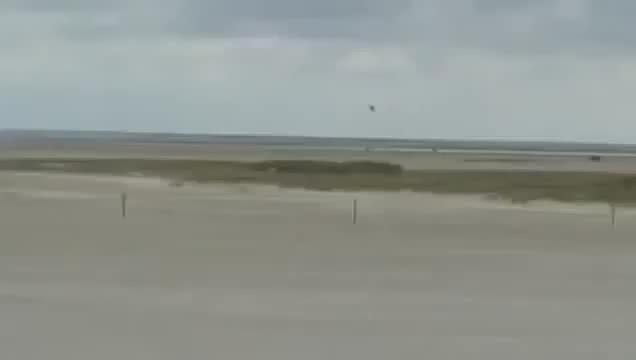 WarplaneGfys, militarygfys, F-16 low pass on a beach. xpost WarplaneGfys. (reddit) GIFs