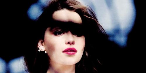 emilia clarke, Emilia Clarke emilia clarke GIFs