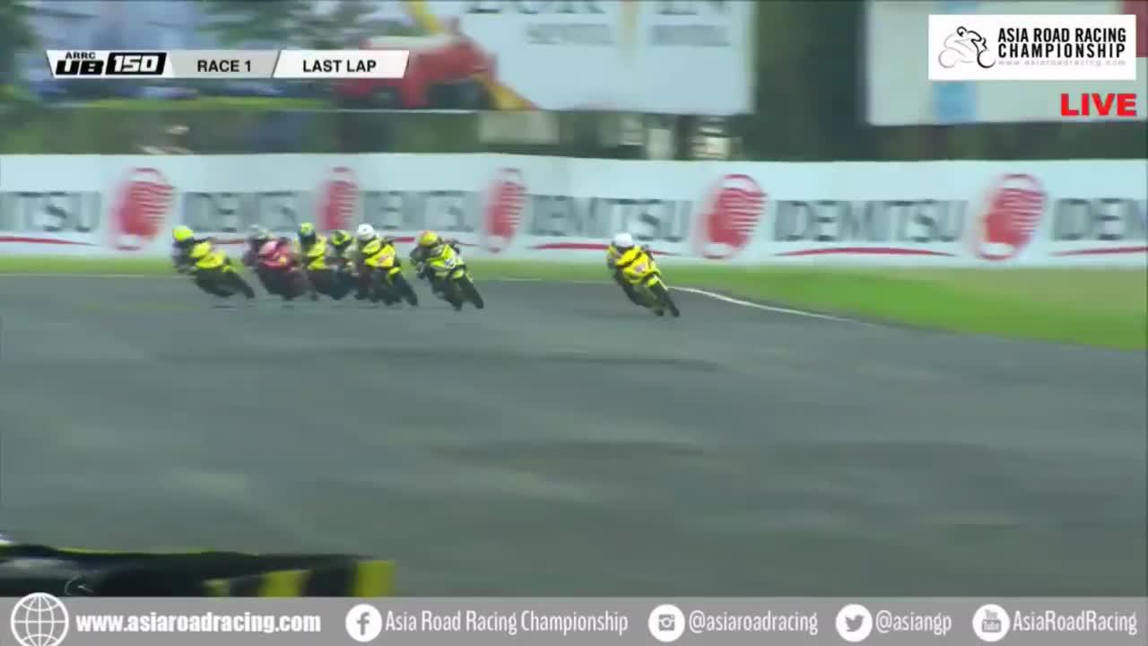 People & Blogs, arrc, crash, huge, puck7, sentul, 2018 Asia Road Racing Championship Sentul UB150 Race 1 Last Lap Huge crash GIFs