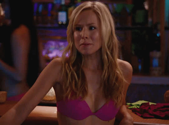 A Kristen Bell thread and no one @'d me? GIFs