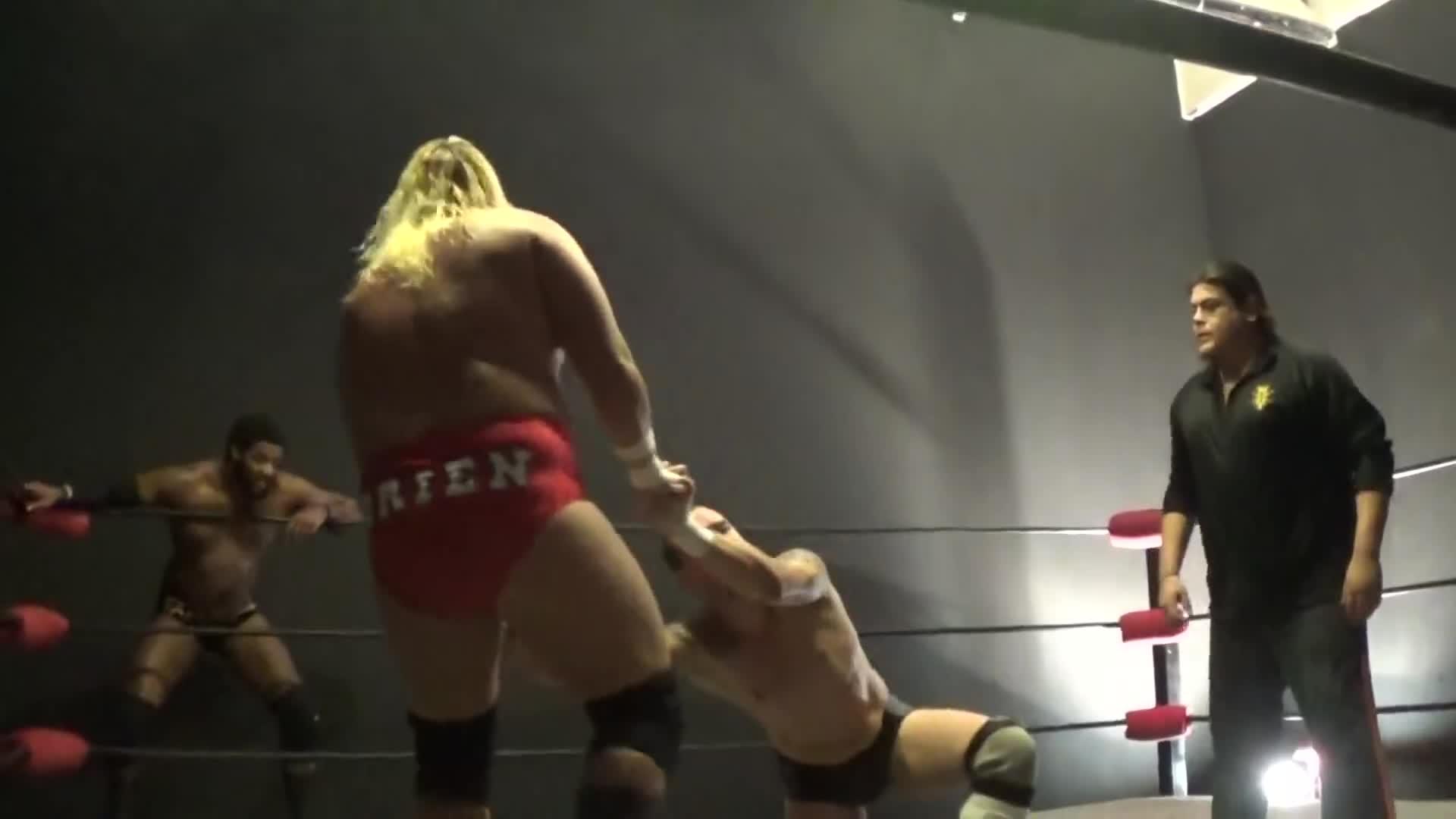 Ricardo Rodriguez, Wrestling, Counter GIFs