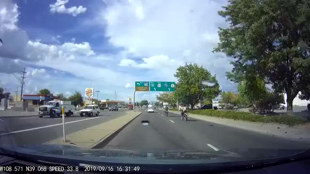 Watch and share 2019%200916%20162950%20433 GIFs by dashcam139 on Gfycat