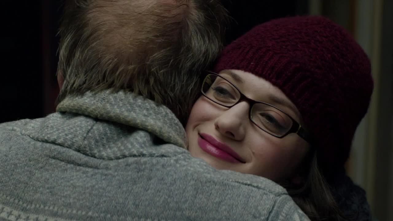awkward, hug, hugging, kat dennings, the dark world, thor, uncomfortable, weird, Thor - Getting weird now GIFs