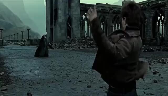 deathly hallows part 2, final battle, harry potter, voldemort, battle GIFs