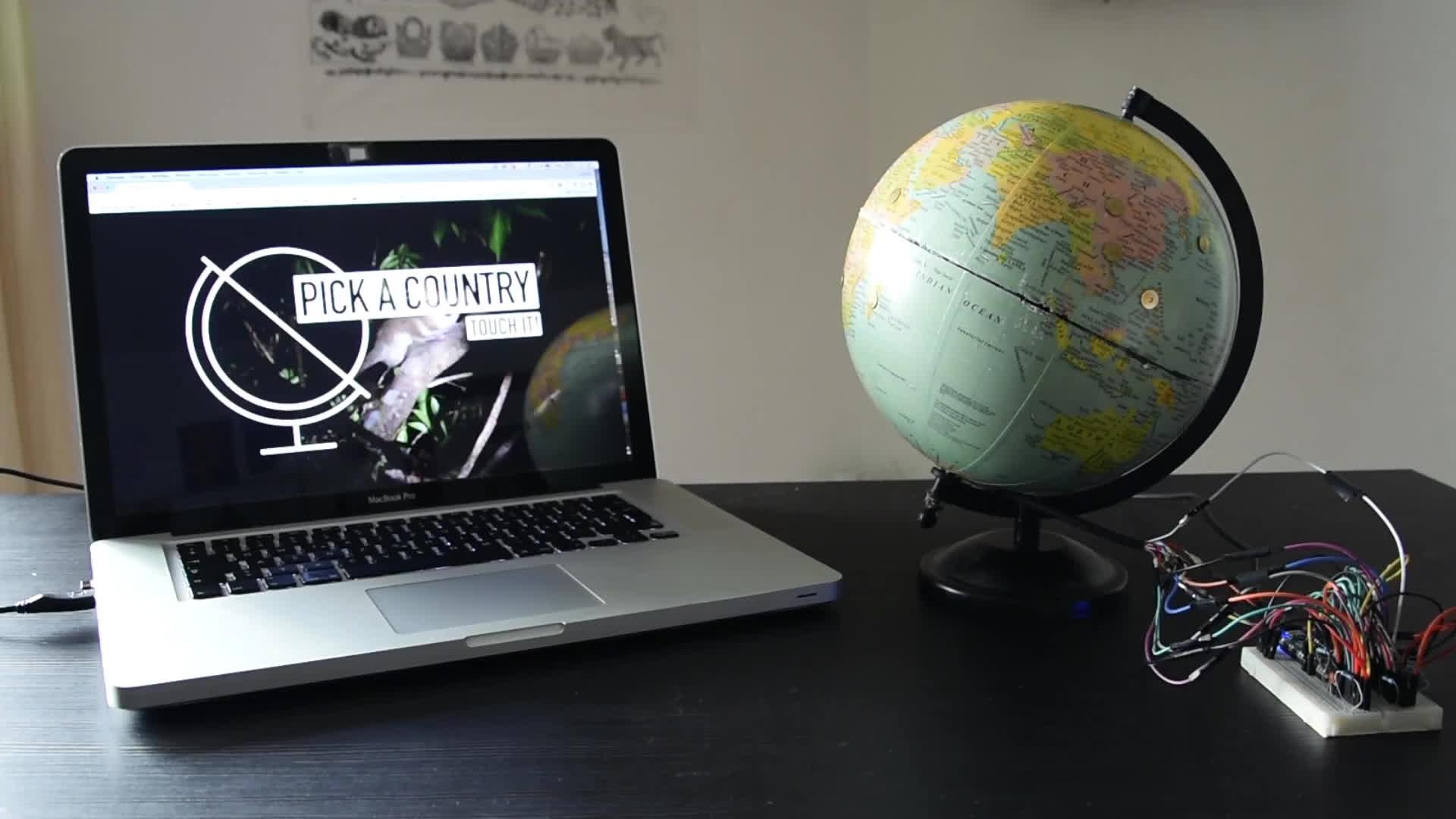 arduino, htxt.africa, Globe Trotter GIFs