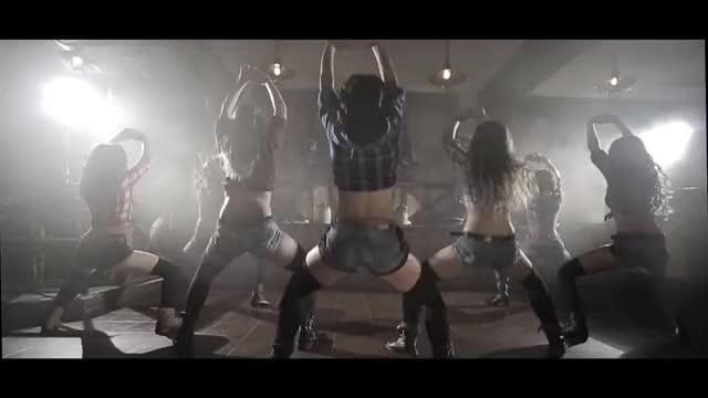 Watch this twerk GIF on Gfycat. Discover more shake, twerking, танцынатнт GIFs on Gfycat