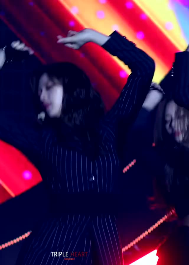 twice - Jeongyeon feat. Momo & Sana