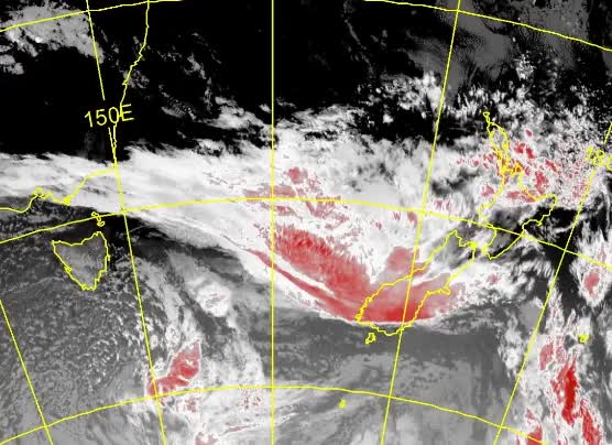 Watch and share Rapidly Deepening Low-pressure System - New Zealand, January 17,18 2017 GIFs by The Watchers on Gfycat