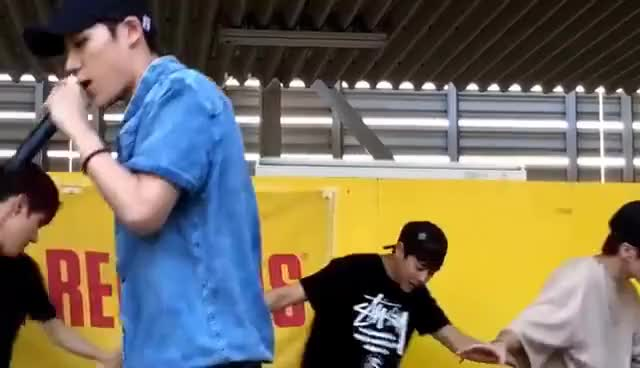 Watch and share 16.6.17名古屋近鉄てパッセ  History GIFs on Gfycat