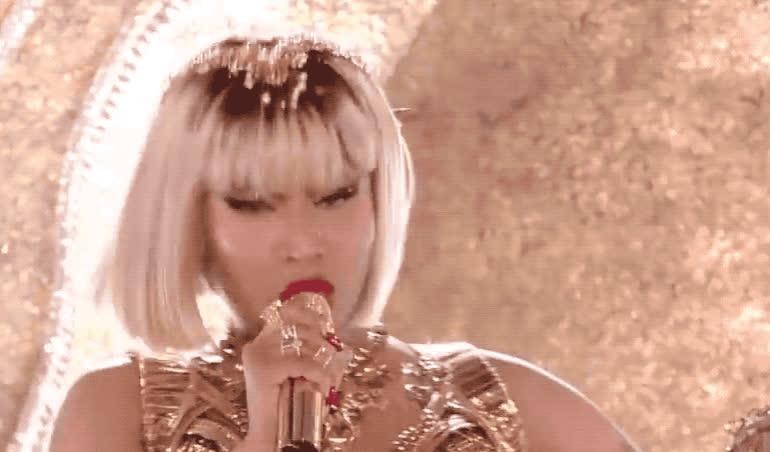angry, annoyed, awards, barbie, dreams, enough, finale, gold, got, majesty, minaj, mtv, music, nicki, off, pissed, sexy, video, vma, yell, Nicki Minaj performs 'Majesty'-'Barbie dreams' GIFs