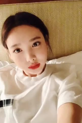 Watch nayeon GIF by Ant1Hero (@yogapbw) on Gfycat. Discover more kpop, nayeon, twice, vlive GIFs on Gfycat
