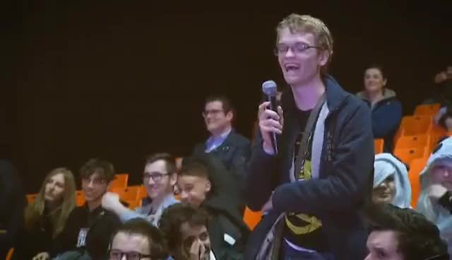 Watch and share LA GROSSE CONFÉRENCE GIFs on Gfycat