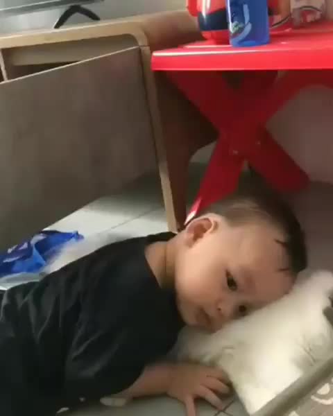 Watch and share Awwwww GIFs and Baby GIFs by RespectMyAuthoriteh on Gfycat