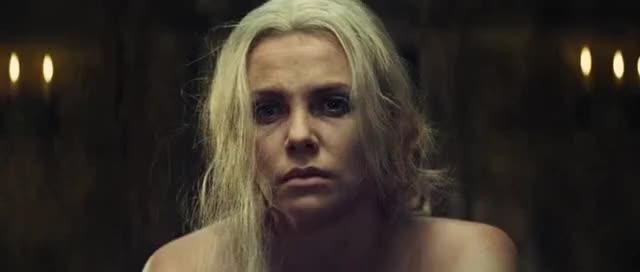 Watch Blanca Nieves y El Cazador: Vídeo Clip - La triste infancia de Ravenna (Latino) GIF on Gfycat. Discover more related GIFs on Gfycat