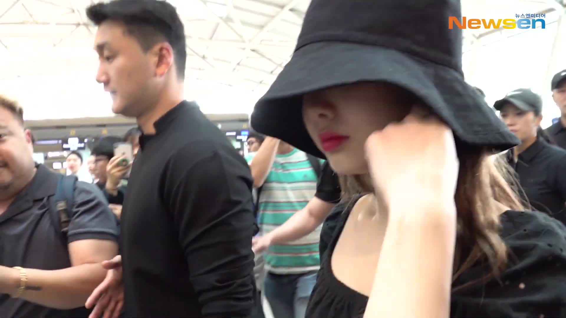 Cutie Nayeon in hat GIFs