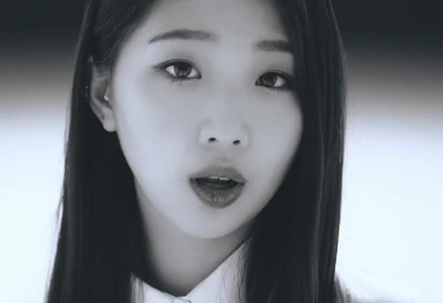 Watch and share Celebs GIFs and Yeojin GIFs by LOOΠΔ gfys on Gfycat
