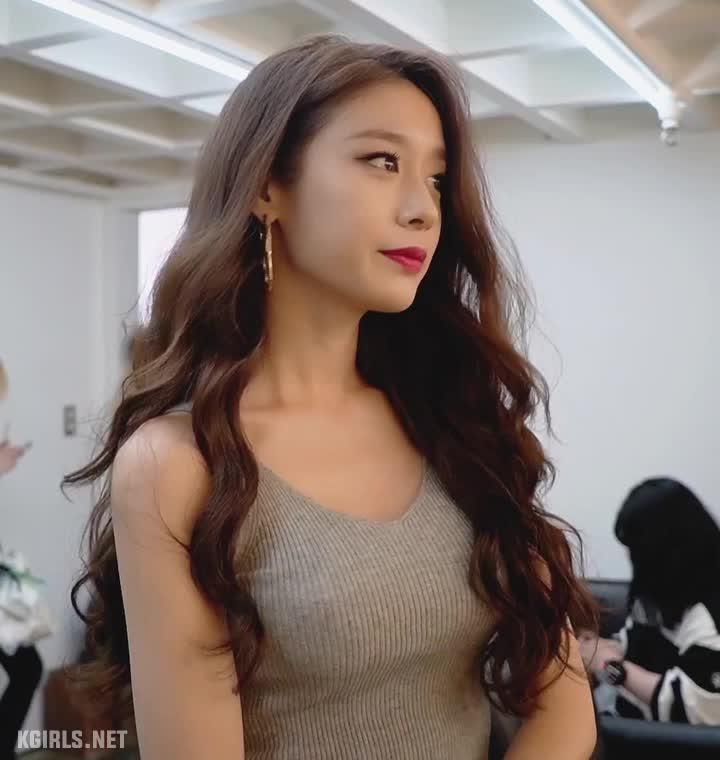 Ji Yeon-T-ARA-1-www.kgirls.net GIFs
