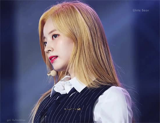 Watch and share Dahyun GIFs by 9xtoowise on Gfycat