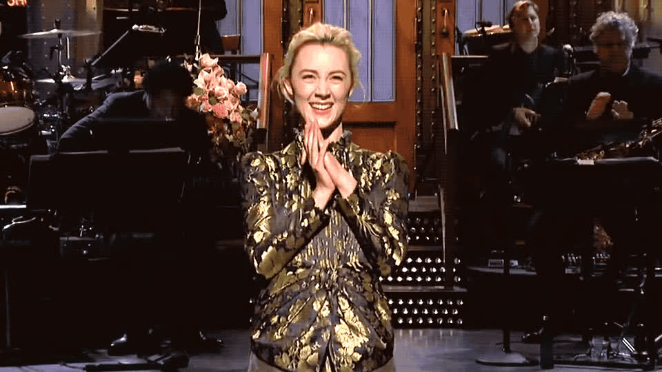 applause, bravo, clap, clapping, excited, exciting, gracias, happy, live, night, ronan, saoirse, saturday, snl, thank, thanks, you, Saoirse Ronan - Thank you GIFs