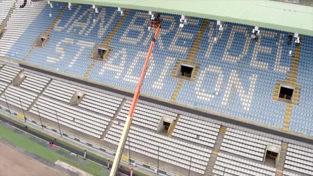 Watch 🚜👷 Een nieuw veld voor de Play-Offs? Geen probleem voor Wesley, Danjuma, Dens... GIF on Gfycat. Discover more Club Brugge K.V. GIFs on Gfycat
