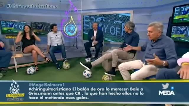 Watch Irene Junquera hot legs - El Chiringuito - 07/06/16 GIF on Gfycat. Discover more El Chiringuito, Entertainment, Hot, HotNewsLegs, Irene Junquera, Legs GIFs on Gfycat