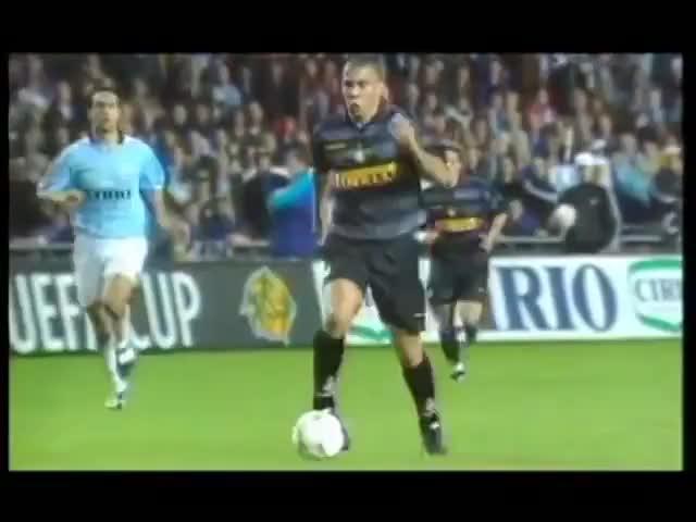 Watch and share Ronaldo - Internazionale 3 X 0 Lazio (1998) GIFs by Footballeur du Dimanche on Gfycat