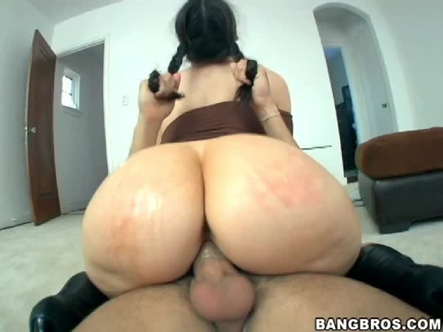 pAWG gets her ponytail pulled