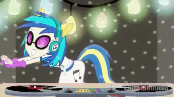 Watch and share [Image - 697435] | DJ P0N-3 / Vinyl Scratch GIFs on Gfycat