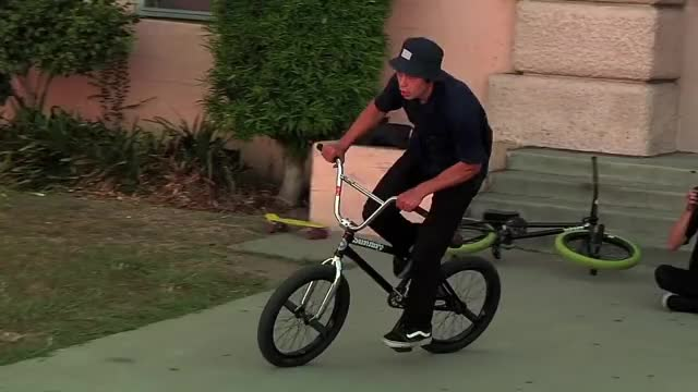 Watch and share Julian Arteaga GIFs and Bmx Freestyle GIFs by drdeletus498 on Gfycat