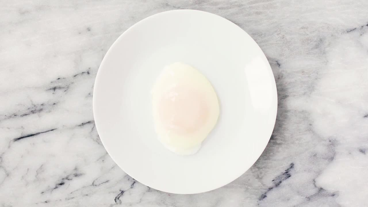 easy, eggs, fun, poached, recipe, simplyrecipes.com, yummy, The Perfect Poached Egg GIFs