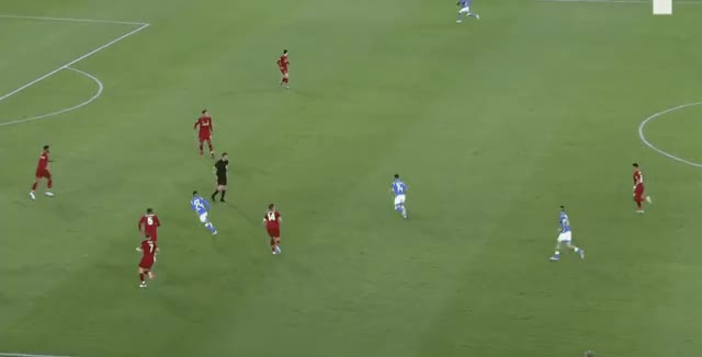 Watch and share Mertens Short Pass Vs Liverpool 18-19 GIFs by FIFPRO Stats on Gfycat