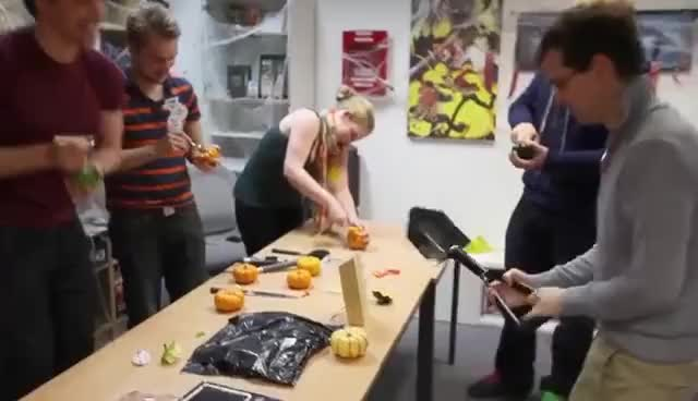 YOGSKIM SPECIAL! Yogscast Pumpkin Carving Competition!