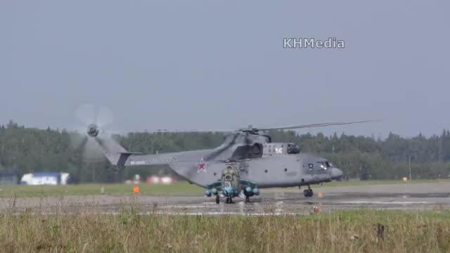 Watch mi-26 is a big boii GIF on Gfycat. Discover more KHMedia, Khmelik, Konstantin Khmelik, KonstantinKhmelik, air show, airshow, КХМедиа, Константин Хмелик, Хмелик, авиашоу GIFs on Gfycat