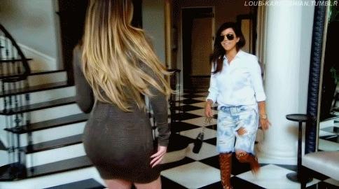 keeping up with the kardashians, khloe kardashian, kourtney kardashian, kuwtk, my gifs, popular, Keeping up with the Kardashians S09E04 GIFs