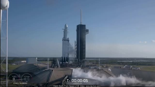 Watch Falcon Heavy Launch GIF by @nehkara on Gfycat. Discover more Falcon Heavy, SpaceX, astronomy, astronomy video, earth, earth from space, live, nasa, nasa live, outer, space, space video GIFs on Gfycat