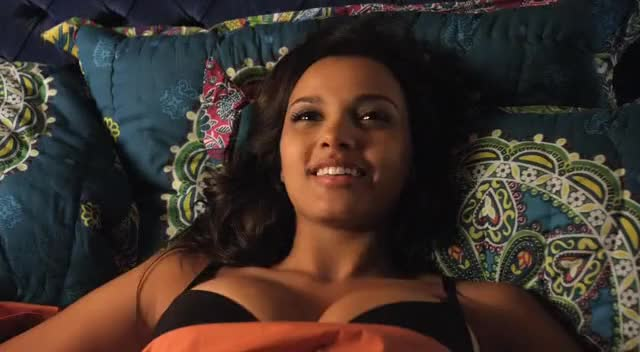Jessica Lucas Gifs Search Search Share On Homdor