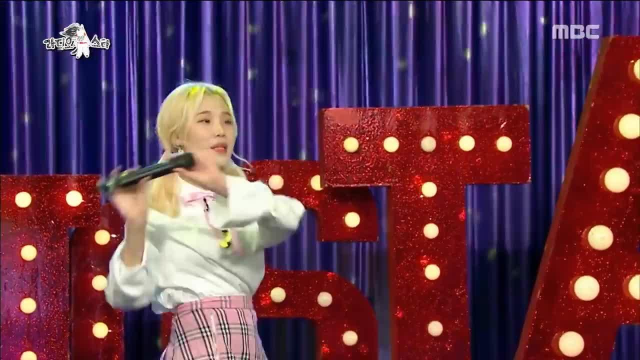 Cô nàng bị chê xấu xí  JooE (Momoland) và nỗi sợ đối với ông trùm giải trí SM ảnh 5