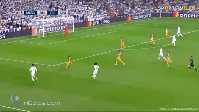 Watch and share Real Madrid 3-0 APOEL - Sergio Ramos 61' (Group H) GIFs by minieri on Gfycat